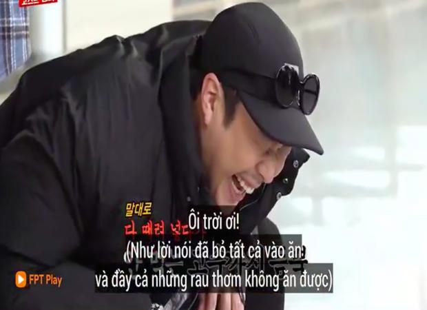 """Các thành viên Running Man Hàn """"lú lẫn"""" vì loại rau thơm khi ăn kèm với phở ở Việt Nam, chú Ji Suk Jin còn bị một vố """"quê độ"""" - Ảnh 9."""