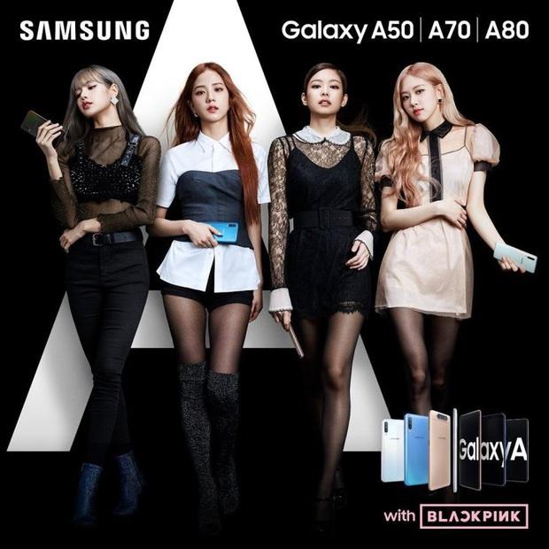 5 lần 7 lượt BLACKPINK khổ sở vì mắc tội lớn: Ai cũng lén dùng iPhone của riêng dù đang là đại sứ Samsung - Ảnh 1.