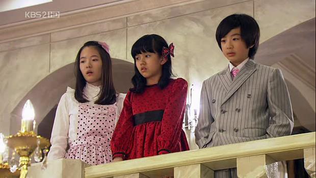 Phát hoảng trước tuổi nghề của loạt diễn viên Hàn: Lee Min Ho lăn lộn 16 năm, Yoo Seung Ho ngót 2 thập kỉ - Ảnh 8.