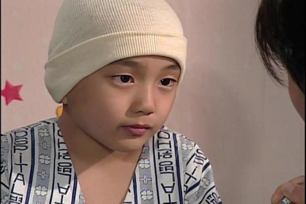 Phát hoảng trước tuổi nghề của loạt diễn viên Hàn: Lee Min Ho lăn lộn 16 năm, Yoo Seung Ho ngót 2 thập kỉ - Ảnh 13.