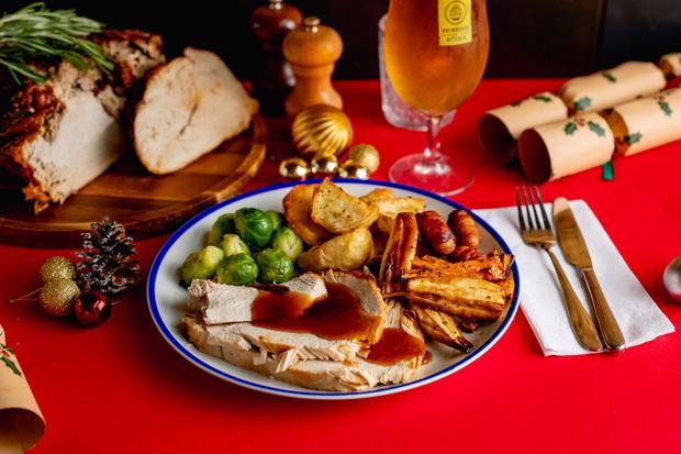 Bỏ túi 5 chiêu sống ảo với đồ ăn bao xịn cho đêm Giáng Sinh: Bấm nút là đẹp, chẳng cần filter màu mè - Ảnh 1.