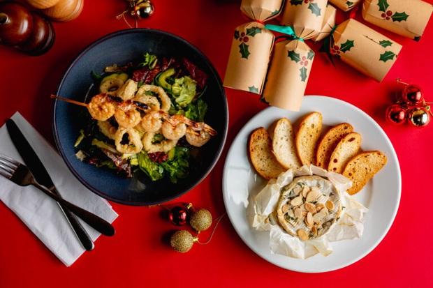 Bỏ túi 5 chiêu sống ảo với đồ ăn bao xịn cho đêm Giáng Sinh: Bấm nút là đẹp, chẳng cần filter màu mè - Ảnh 2.