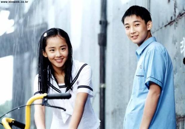 Phát hoảng trước tuổi nghề của loạt diễn viên Hàn: Lee Min Ho lăn lộn 16 năm, Yoo Seung Ho ngót 2 thập kỉ - Ảnh 17.