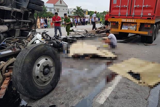 Nhìn lại những vụ TNGT kinh hoàng năm 2019: Nữ lao công chết thảm trên đường Láng Hạ, 15 người thương vong trên đường viếng nghĩa trang - Ảnh 31.