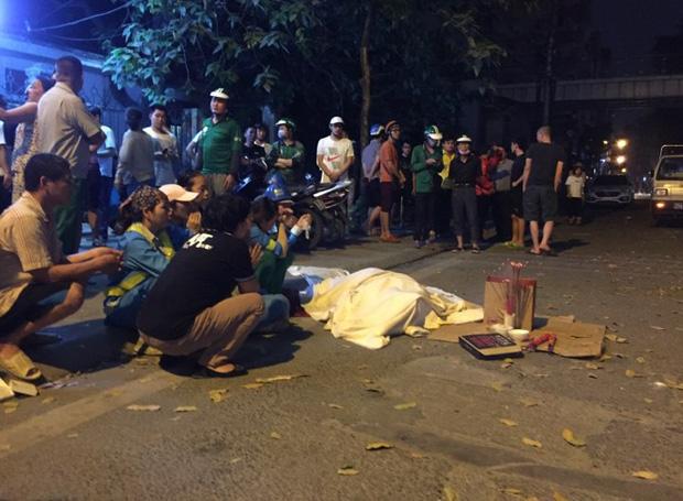 Nhìn lại những vụ TNGT kinh hoàng năm 2019: Nữ lao công chết thảm trên đường Láng Hạ, 15 người thương vong trên đường viếng nghĩa trang - Ảnh 15.