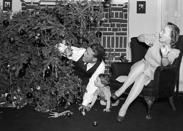 Những bức ảnh Giáng sinh độc nhất vô nhị có tuổi đời hơn 100 năm khiến bạn không khỏi mắt tròn mắt dẹt - Ảnh 15.