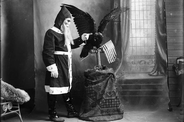 Những bức ảnh Giáng sinh độc nhất vô nhị có tuổi đời hơn 100 năm khiến bạn không khỏi mắt tròn mắt dẹt  - Ảnh 17.