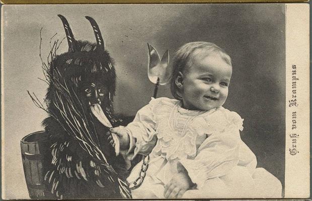 Những bức ảnh Giáng sinh độc nhất vô nhị có tuổi đời hơn 100 năm khiến bạn không khỏi mắt tròn mắt dẹt - Ảnh 4.