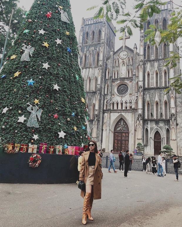 Dàn sao Vbiz khoe hình Giáng sinh: không quẩy hết mình thì kiểu gì cũng phải check-in với cây thông Noel cho có không khí! - Ảnh 13.