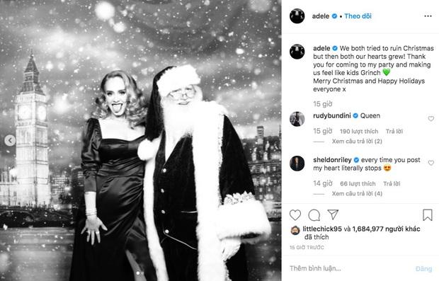 Adele chính là người chiếm spotlight mùa Giáng sinh năm nay: giảm hẳn 19kg nên tự tin diện váy ôm sát đứng cạnh ông già Noel - Ảnh 1.