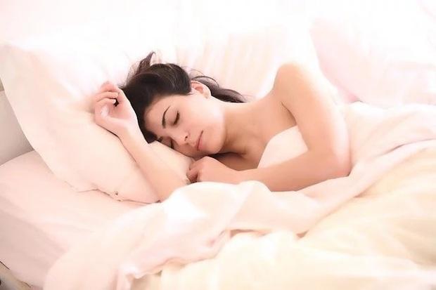 Từ Công chúa ngủ trong rừng cho đến căn bệnh khiến cơ thể tự giảm mỡ, tăng cơ bắp, những chứng bệnh kỳ dị mà bạn không thể ngờ là có thật - Ảnh 1.