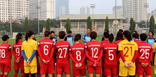 Tiền thưởng chưa đến tay, các tuyển thủ nữ Việt Nam vẫn lao vào tập luyện giữa trời giá lạnh chuẩn bị cho vòng loại 3 Olympic Tokyo 2020 - Ảnh 2.