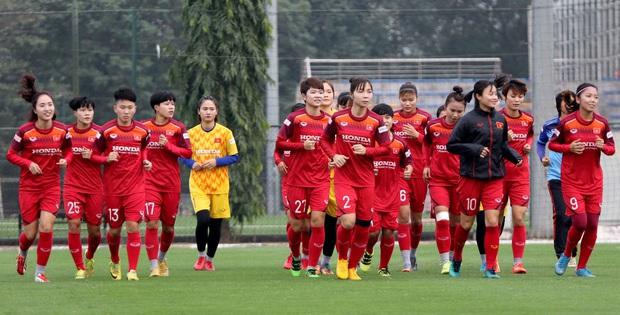 Tiền thưởng chưa đến tay, các tuyển thủ nữ Việt Nam vẫn lao vào tập luyện giữa trời giá lạnh chuẩn bị cho vòng loại 3 Olympic Tokyo 2020 - Ảnh 3.