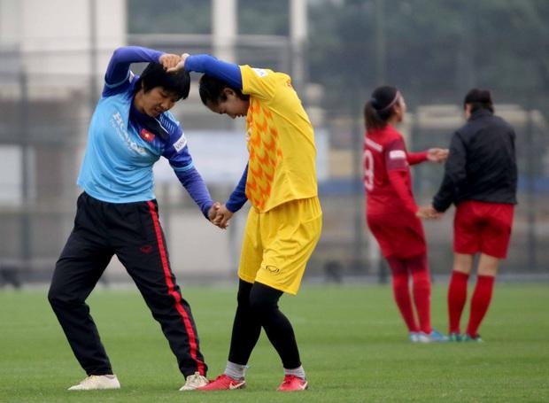 Tiền thưởng chưa đến tay, các tuyển thủ nữ Việt Nam vẫn lao vào tập luyện giữa trời giá lạnh chuẩn bị cho vòng loại 3 Olympic Tokyo 2020 - Ảnh 6.