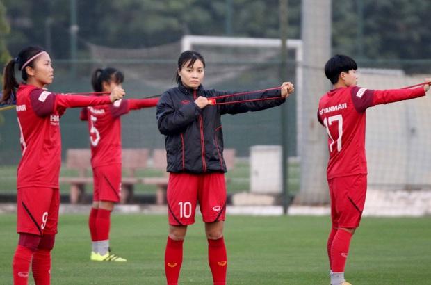 Tiền thưởng chưa đến tay, các tuyển thủ nữ Việt Nam vẫn lao vào tập luyện giữa trời giá lạnh chuẩn bị cho vòng loại 3 Olympic Tokyo 2020 - Ảnh 12.