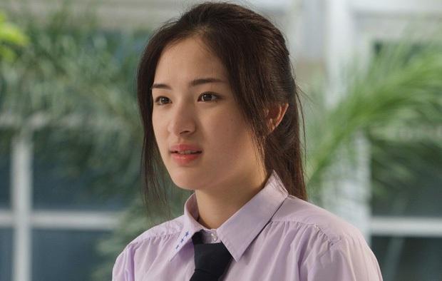 Bí quyết nào giúp nàng Toei (Sutatta Udomsilp) sở hữu được làn da trắng sứ cùng body không có nổi 1% mỡ thừa? - Ảnh 1.