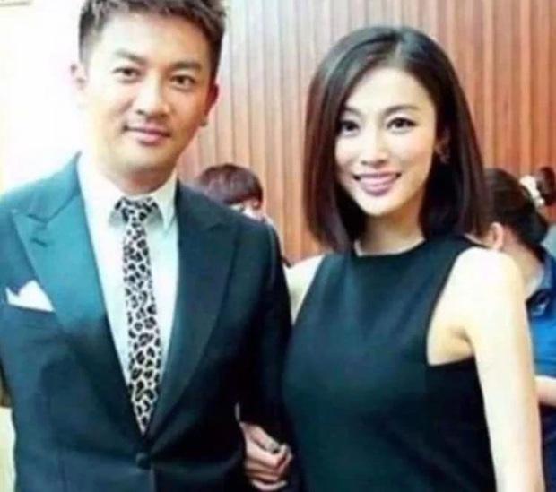 Rộ tin Tô Hữu Bằng đã kết hôn từ 15 năm trước, cô gái may mắn lọt vào mắt xanh Ngũ A Ca là ai? - Ảnh 3.