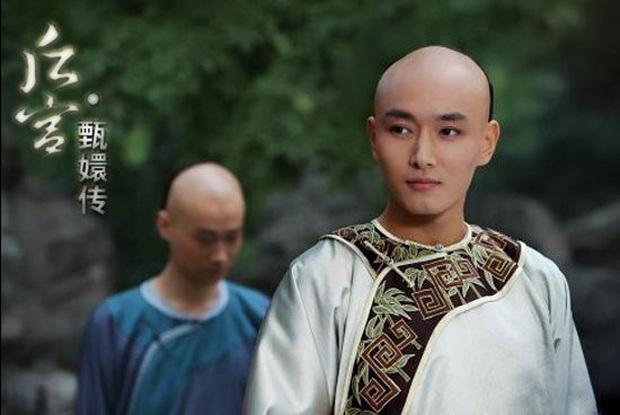 Tiêu Chiến bị cả showbiz Hoa Ngữ cà khịa: Đàn anh like dạo chê diễn xuất, đạo diễn công khai đá đểu - Ảnh 8.