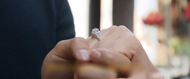 Lộ ảnh nhẫn cưới trong Hoa Hồng Trên Ngực Trái, Khang - San hay Bảo - Khuê chuẩn bị về chung nhà? - Ảnh 1.