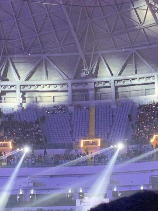 Sau sự cố của Wendy, SBS còn gây phẫn nộ khi cấm cửa 400 fan Red Velvet, fan quyết chiến với nhà đài đến cùng! - Ảnh 2.