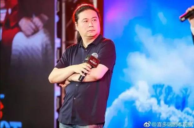Tiêu Chiến bị cả showbiz Hoa Ngữ cà khịa: Đàn anh like dạo chê diễn xuất, đạo diễn công khai đá đểu - Ảnh 2.