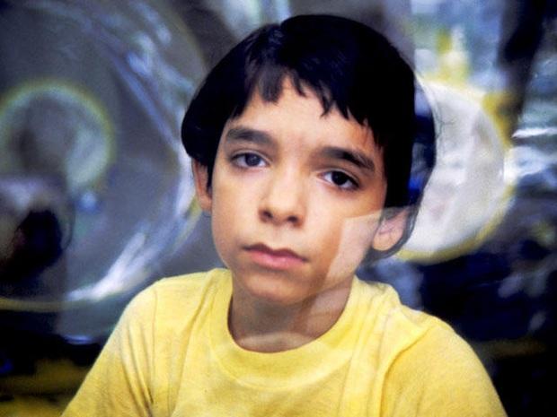 Cậu bé bong bóng: Suốt 12 năm sống tách biệt trong không gian vô trùng, đến phút cuối mới được chạm vào mẹ rồi qua đời - Ảnh 8.