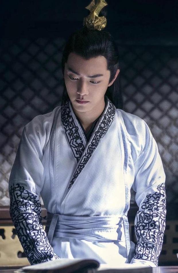 Tiêu Chiến bị cả showbiz Hoa Ngữ cà khịa: Đàn anh like dạo chê diễn xuất, đạo diễn công khai đá đểu - Ảnh 9.