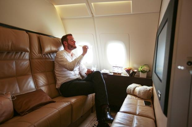 """Khoang máy bay có giá vé """"đắt nhất hành tinh"""" chỉ dành riêng cho giới siêu giàu và người nổi tiếng, xem ảnh chỉ biết choáng ngợp - Ảnh 2."""