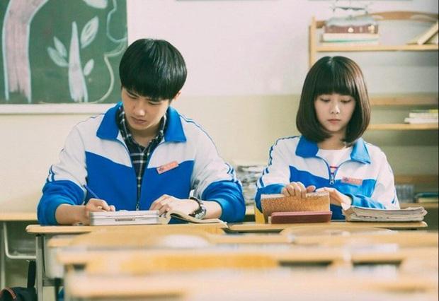 Khóc thét trước 15 đề thi đại học môn Văn ở Trung Quốc: Khó nhất thế giới về sự lắt léo, ẩn dụ nhưng vô cùng hay ho - Ảnh 1.
