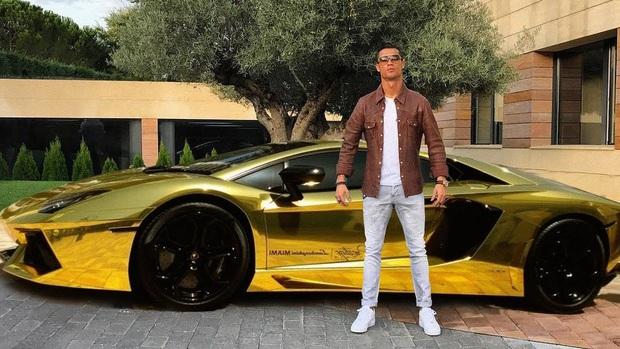 Đều kiếm gần 20 nghìn tỉ đồng trong thập kỷ qua nhưng Ronaldo và Messi vẫn phải hít khói Anh Năm thời tiết, huyền thoại bất bại ở môn đấm bốc - Ảnh 5.