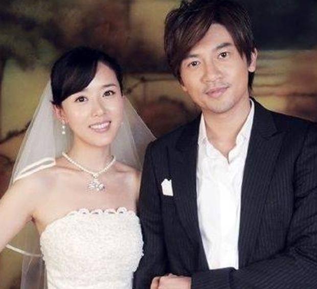 Rộ tin Tô Hữu Bằng đã kết hôn từ 15 năm trước, cô gái may mắn lọt vào mắt xanh Ngũ A Ca là ai? - Ảnh 2.