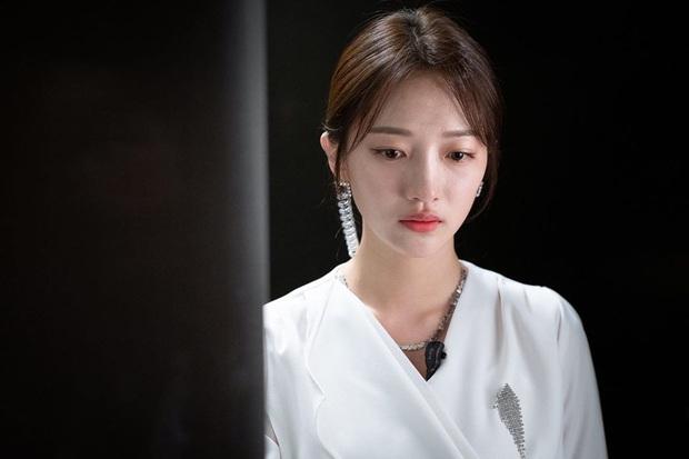 Vô lối ép Jang Nara li hôn chưa được bao lâu, tiểu tam lại khóc sưng mắt đòi bồ chia tay ở tập cuối Vị Khách Vip - Ảnh 8.