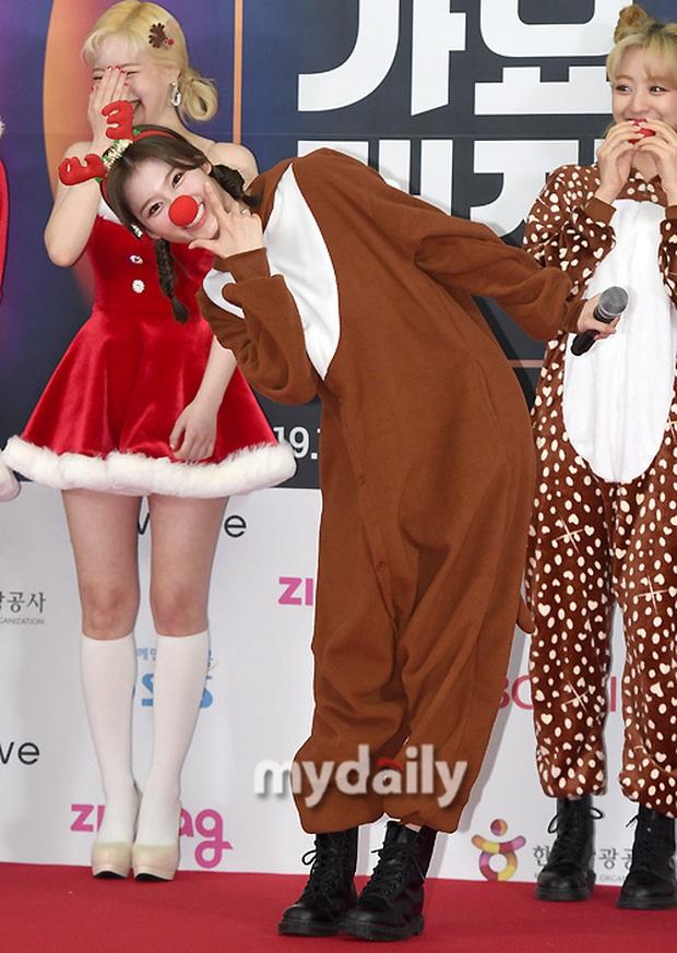 Siêu thảm đỏ SBS Gayo Daejun: BTS và GOT7 lồng lộn, TWICE và GFriend lột xác sexy, MAMAMOO xòe giữa quân đoàn idol - Ảnh 10.