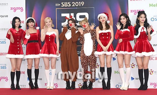 Siêu thảm đỏ SBS Gayo Daejun: BTS và GOT7 lồng lộn, TWICE và GFriend lột xác sexy, MAMAMOO xòe giữa quân đoàn idol - Ảnh 6.