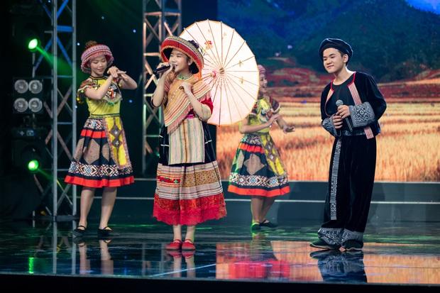 Đoan Trang ghẹo Vân Trang: Theo nghiệp ca hát là ca sĩ cũng mệt mỏi lắm đó em! - Ảnh 8.