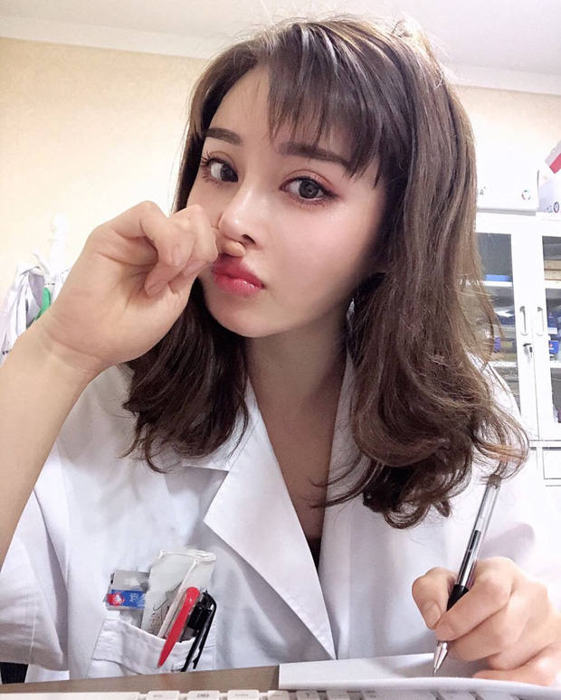 Nữ y tá Trung Quốc khiến cánh đàn ông nể sợ: Gương mặt baby, thân hình lực sĩ - Ảnh 6.