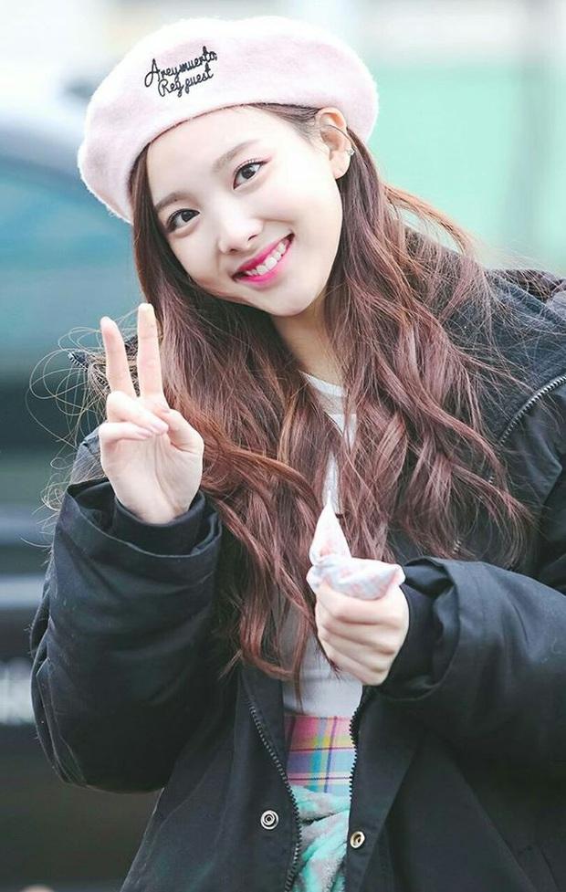 Irene (Red Velvet) lần đầu xuất hiện sau sự cố của Wendy, sẽ kết hợp cùng Nayeon (TWICE) trên sân khấu KBS Gayo Daechukje - Ảnh 2.