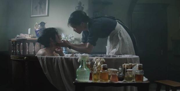 Dụng ý sâu xa từ 3 cảnh nóng ở Chị Chị Em Em: Vì sao lại có câu nói chiếc giường này là của chúng mình? - Ảnh 2.