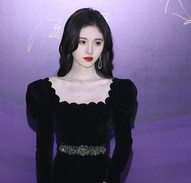Tranh cãi top 10 nữ diễn viên được yêu thích nhất 2019: Triệu Lệ Dĩnh thua mỹ nhân Cá Mực Hầm Mật, Dương Mịch đâu rồi? - Ảnh 2.