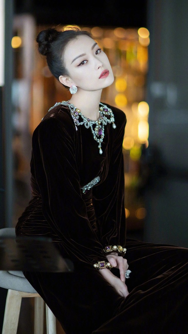 Nữ hoàng thảm đỏ 2019: Nghê Ni - Angela Baby so kè khốc liệt, Nhiệt Ba - Trịnh Sảng và nhân tố mới nhăm nhe ngôi vị - Ảnh 1.