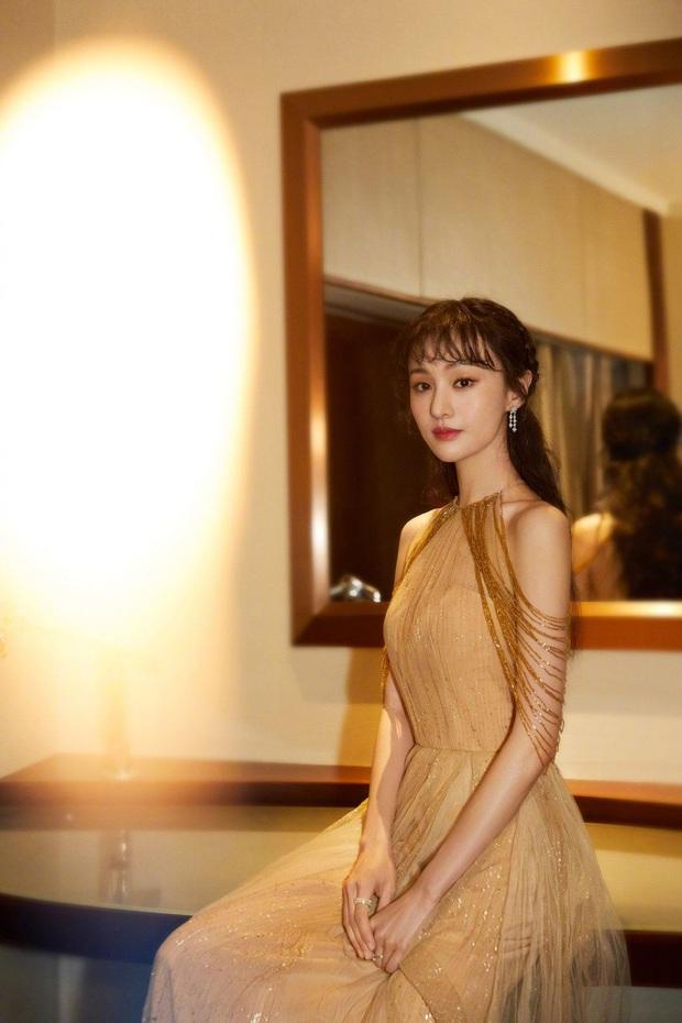 Nữ hoàng thảm đỏ 2019: Nghê Ni - Angela Baby so kè khốc liệt, Nhiệt Ba - Trịnh Sảng và nhân tố mới nhăm nhe ngôi vị - Ảnh 13.