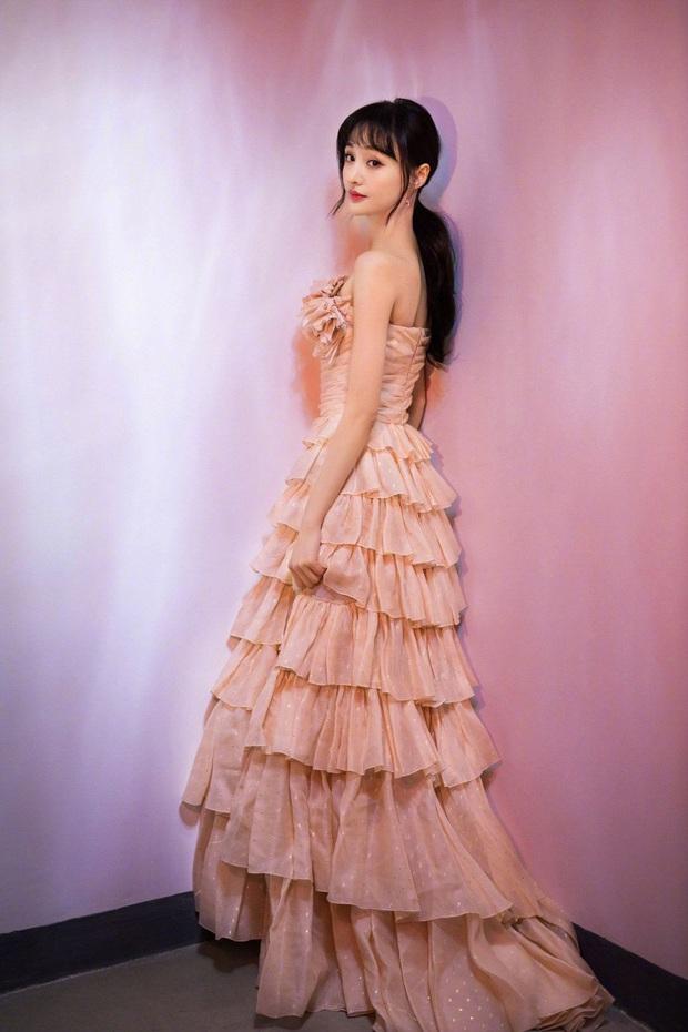 Nữ hoàng thảm đỏ 2019: Nghê Ni - Angela Baby so kè khốc liệt, Nhiệt Ba - Trịnh Sảng và nhân tố mới nhăm nhe ngôi vị - Ảnh 15.