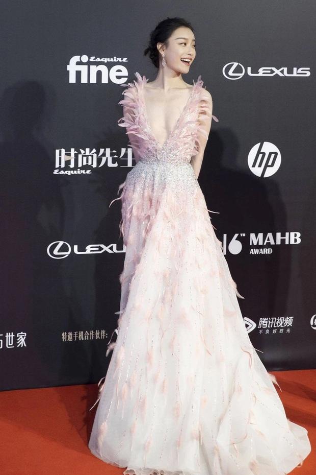 Nữ hoàng thảm đỏ 2019: Nghê Ni - Angela Baby so kè khốc liệt, Nhiệt Ba - Trịnh Sảng và nhân tố mới nhăm nhe ngôi vị - Ảnh 5.