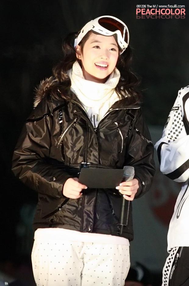 Nghẹn ngào hình ảnh ngày này 10 năm trước của Sulli: Nụ cười trong trẻo thuở mới debut giờ chỉ còn trong kí ức - Ảnh 2.