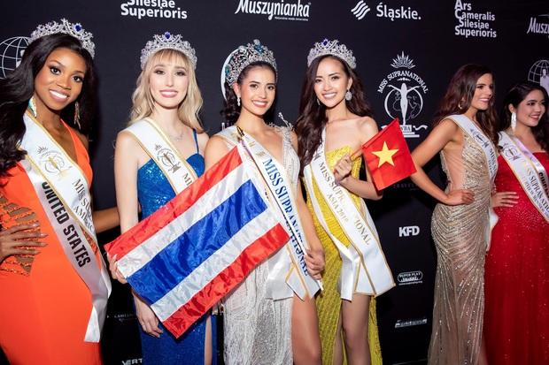 Showbiz Thái 2019: Chảo lửa lùm xùm sao tử vong bí ẩn đến ngoại tình và cái kết viên mãn với loạt bom tấn gây bão châu Á - Ảnh 25.
