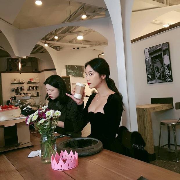 Đụng váy với Hwang Jung Eum: Suzy đẹp nhưng độ quý phái và nóng bỏng vẫn chưa là gì so với bà mẹ bỉm sữa  - Ảnh 1.