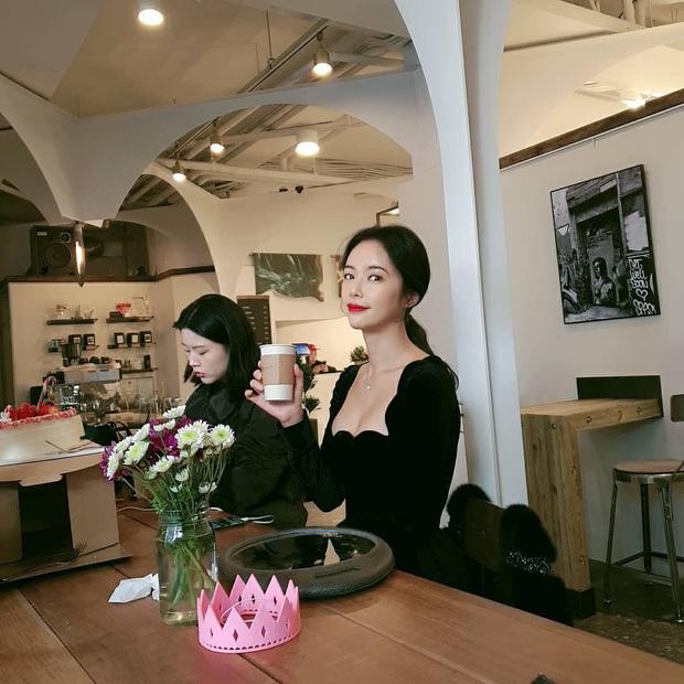 Đụng váy với Hwang Jung Eum: Suzy đẹp nhưng độ quý phái và nóng bỏng vẫn chưa là gì so với bà mẹ bỉm sữa  - Ảnh 2.