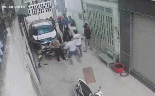 Mâu thuẫn sau tin nhắn Đừng làm cho chị giận nha cưng, một người bị đâm tử vong ở Sài Gòn - Ảnh 1.