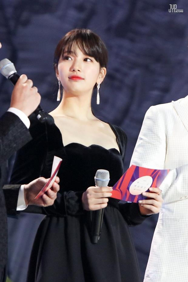 Đụng váy với Hwang Jung Eum: Suzy đẹp nhưng độ quý phái và nóng bỏng vẫn chưa là gì so với bà mẹ bỉm sữa  - Ảnh 11.