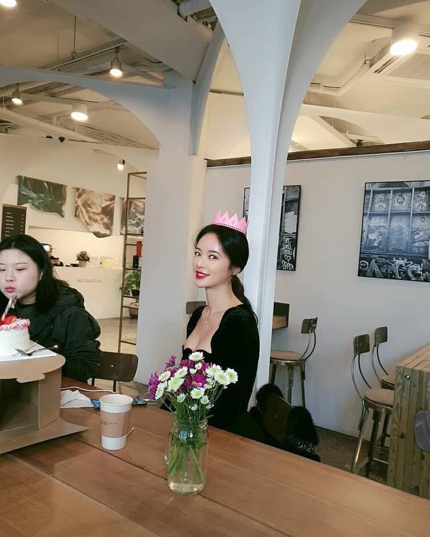 Đụng váy với Hwang Jung Eum: Suzy đẹp nhưng độ quý phái và nóng bỏng vẫn chưa là gì so với bà mẹ bỉm sữa  - Ảnh 4.